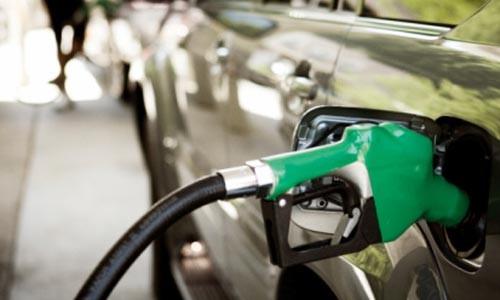 El gasóleo baja un 0,3 %; la gasolina sube un 0,5 %.