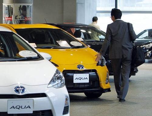 Las ventas de coches cierran 2012 con una caída del 13,4%.