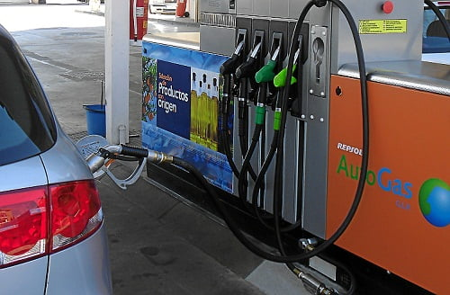 El coche híbrido a gas, nueva apuesta del sector del taxi en Vigo.