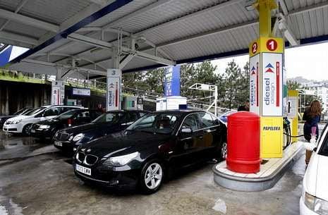 La crisis y el alto precio reducen el consumo de gasolina en Ourense