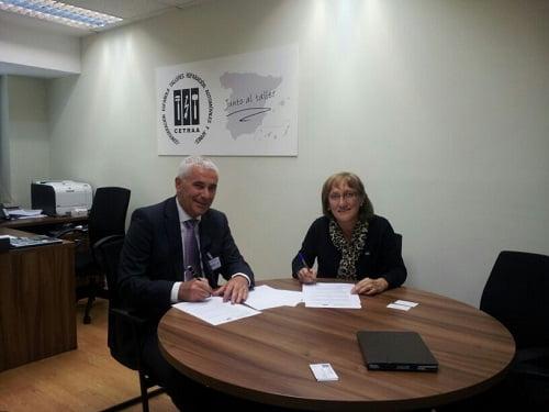 Gasmocion y CETRAA firman un acuerdo para incentivar la transformación de vehículos a autogas/GLP y GNC en los talleres asociados