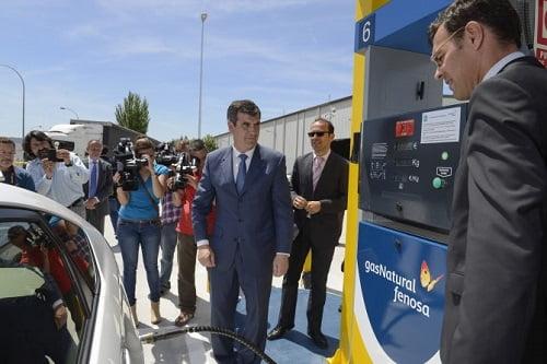 Gas Natural Fenosa presenta una nueva estación de servicio de gas natural comprimido (GNC) para vehículos