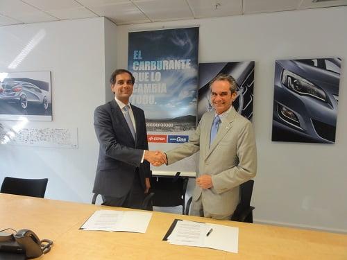 Opel y CEPSA firman un acuerdo para potenciar el uso del autogas/GLP