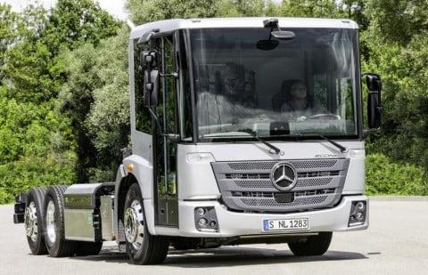 Mercedes presenta el 'Econic NGT' con gas natural comprimido (GNC)