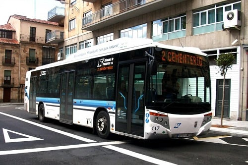 Salamanca aprueba la compra de tres autobuses de GNC