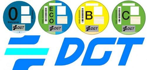Poner la pegatina de la DGT que clasifica tu coche no será obligatorio